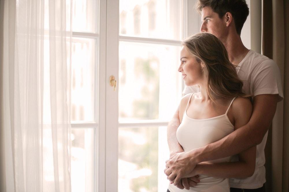 Daha Sağlıklı Bir İlişki İçin Birbirinize Dokunmanın Faydaları