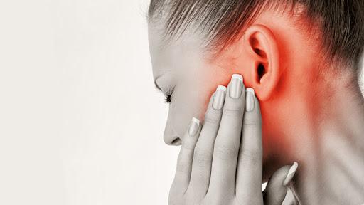 Kulak Ağrısı Neden Olur ? Nasıl Geçer ?